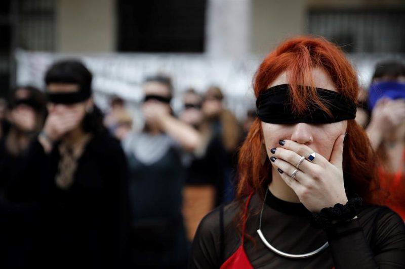 griegas acoso sexual