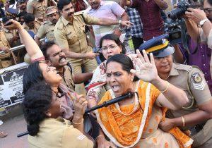 mujeres templo hindú
